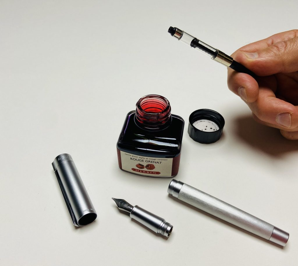 How to fill a fountain pen cleanly